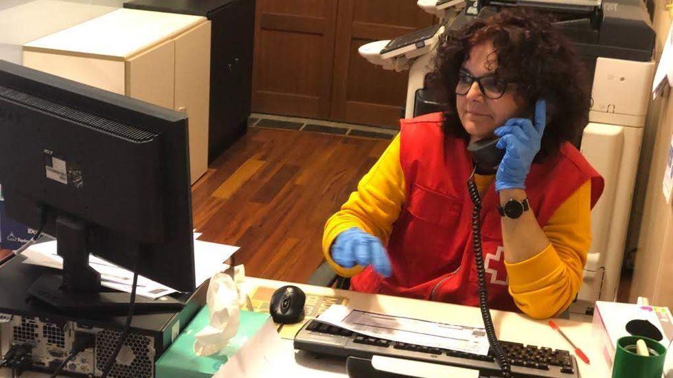 Belén López es voluntaria en la asamblea comarcal de Cruz Roja en Valdeorras