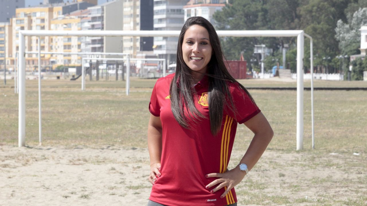 Mari Paz Vilas. Jugó la última Eurocopa de fútbol y ahora aspira al Mundial. Los Juegos serían la guinda.