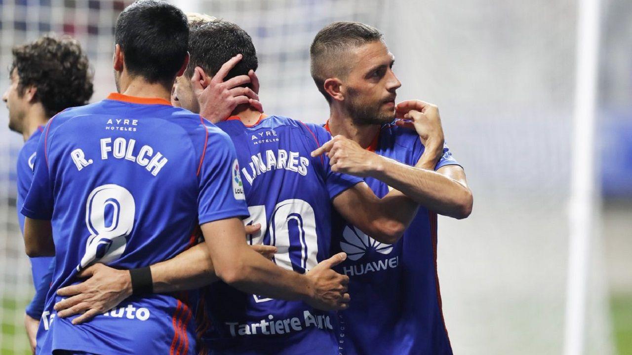 Toche Zapater Aaron Real Oviedo Zaragoza CarlosTartiere.Folch, Linares y Rocha en un partido con el Oviedo