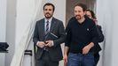 El ministro de Consumo, Alberto Garzón, y el vicepresidente segundo del Gobierno y ministro de Derechos Sociales, Pablo Iglesias