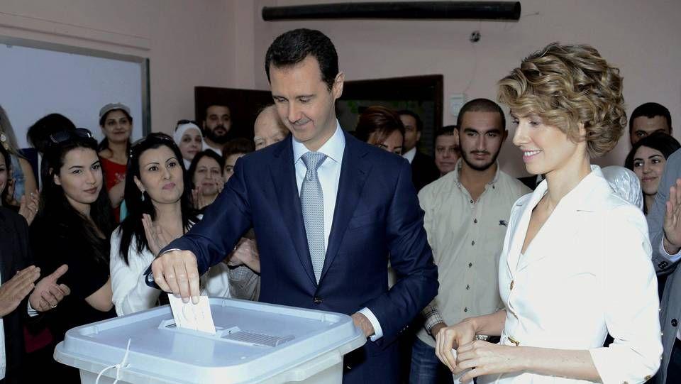 Al Asad en el momento de las votaciones