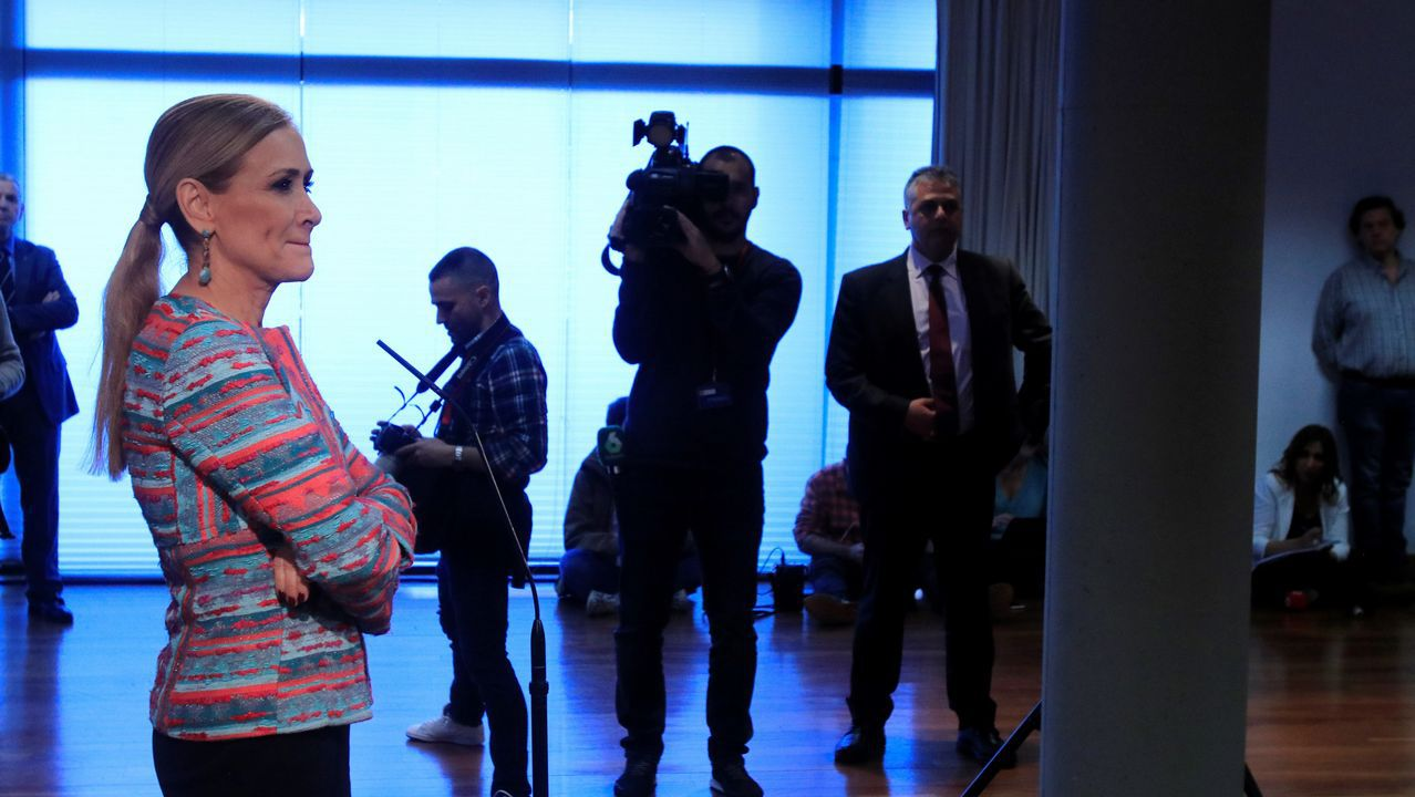 Cristina Cifuentes: «No temo una moción de censura».La expresidenta de la Comunidad de Madrid Esperanza Aguirre a su salida de la Audiencia Provincial de Madrid
