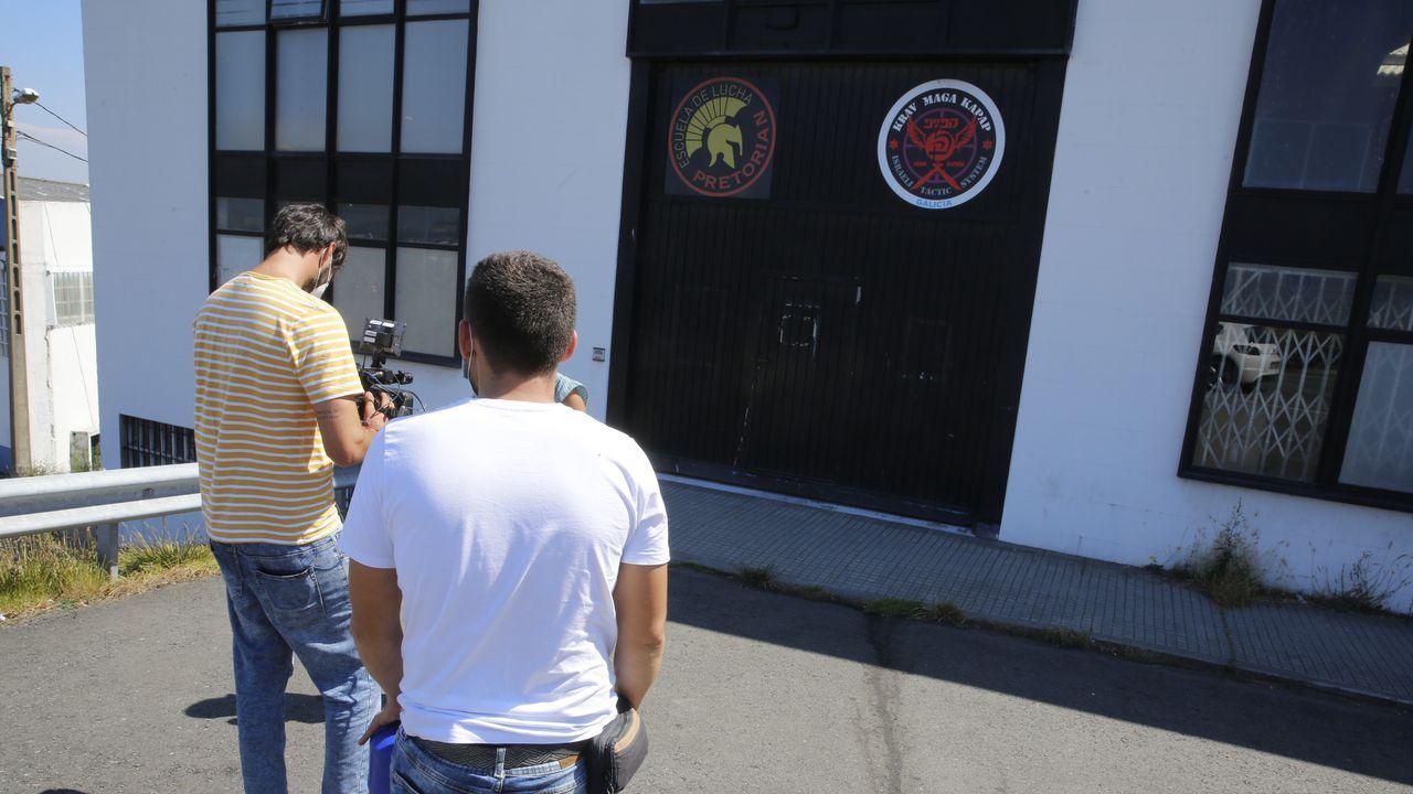 A Coruña comienza una nueva etapa con restricciones.Gimnasia al que acudía el portero y en el que se han detectado 18 positivos