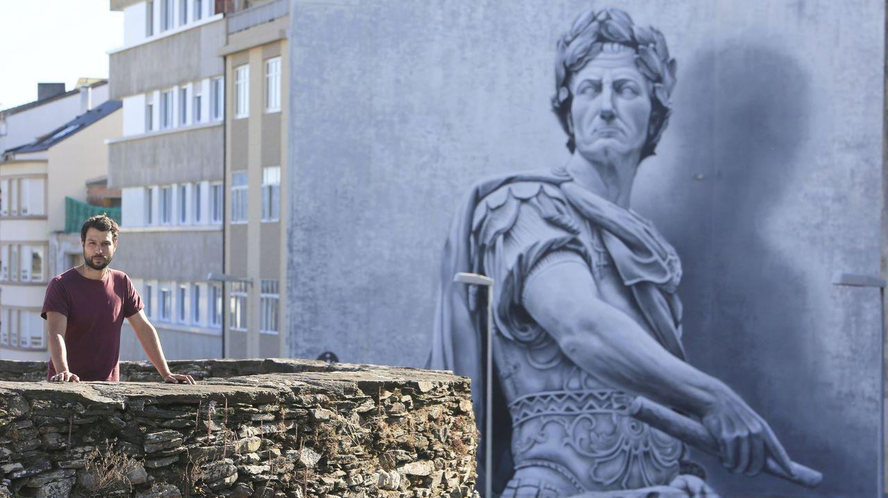 Los castros de la Costa da Morte, en imágenes.Diego As, ante o seu Julio César