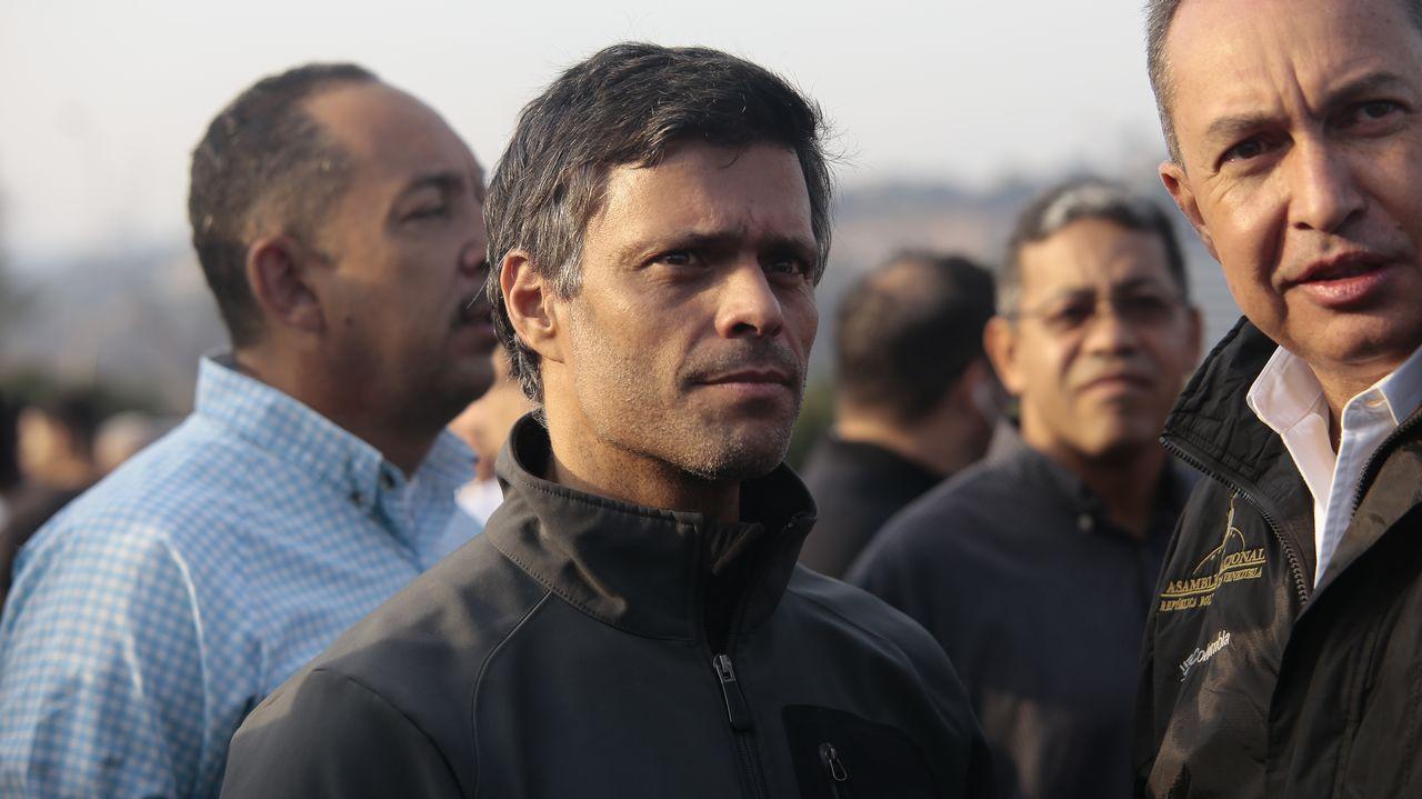 Leopoldo López, el martes frente a la base La Carlota tras ser liberado de su arresto