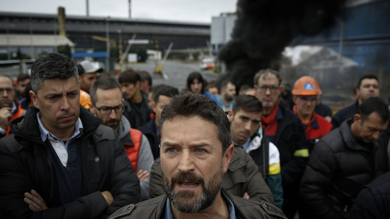 GREENALIA.Juan Carlos López Corbacho, presidente del comité de empresa de la factoría de A Coruña, en una de las últimas concentraciones ante la fábrica