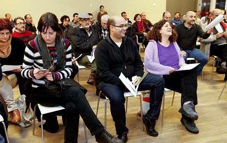 Cela logró el apoyo del 97 % de la asamblea con una lista que cuenta con Sanmartín (derecha).