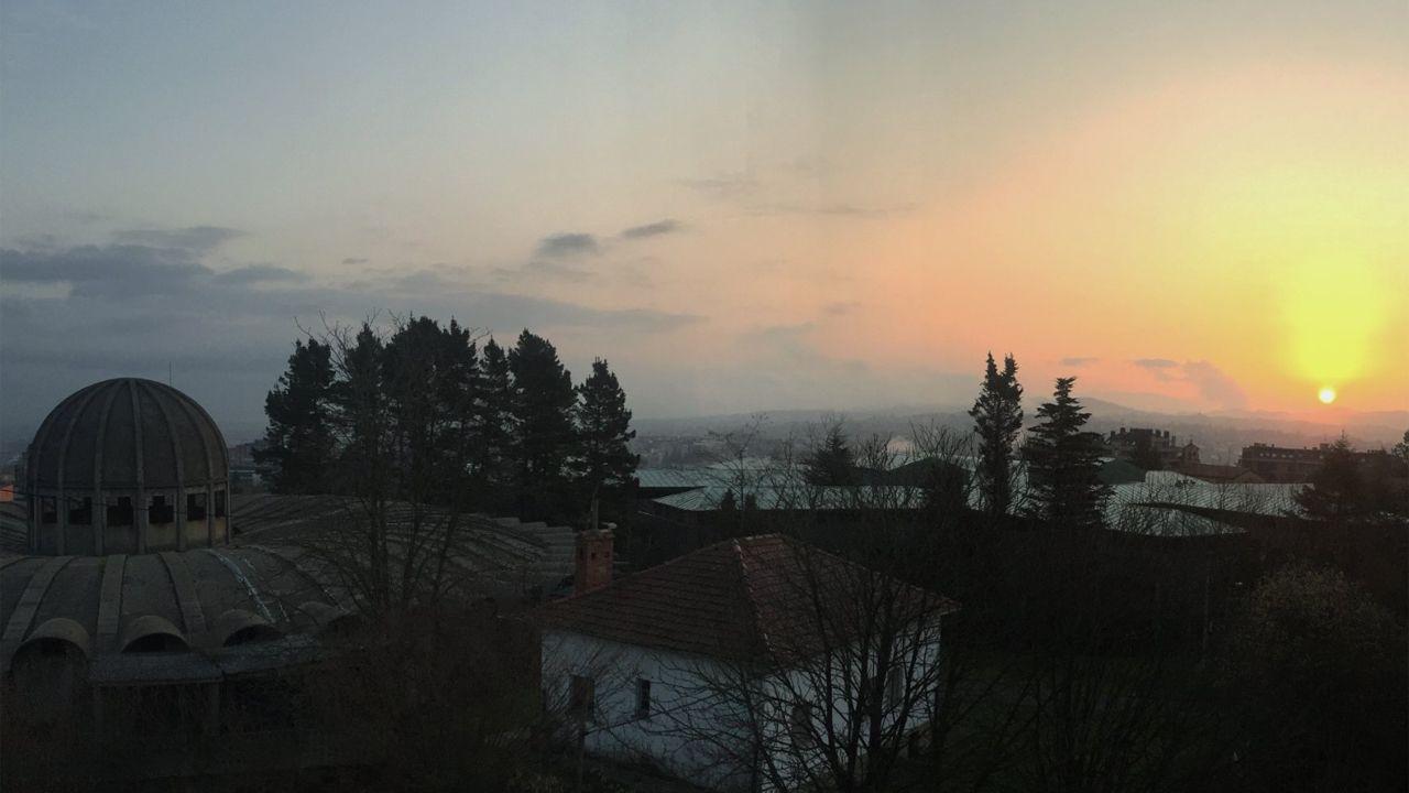pasajero, autobús, bus, Asturias.Amanecer desde el Observatorio Meteorológico de Oviedo.