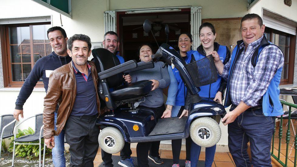 Asociación cabalar que regala una silla a un enfermo sin recursos