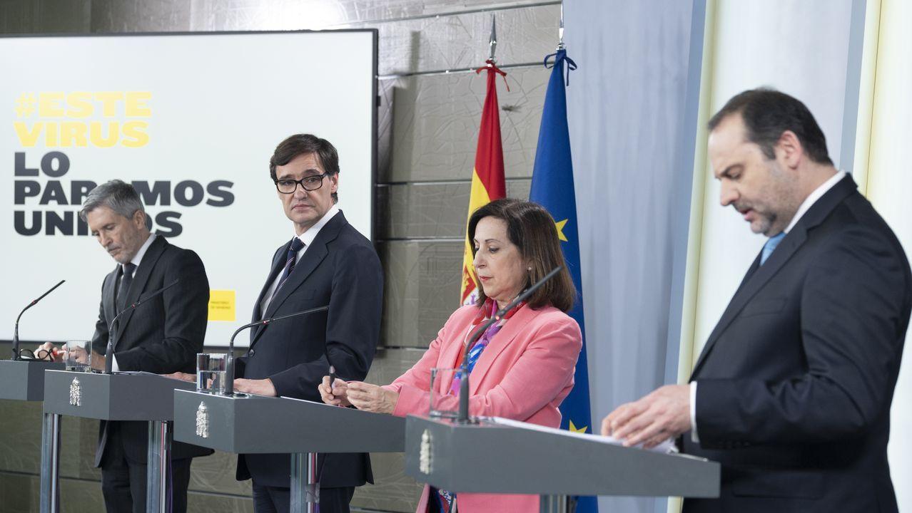 Sánchez amplía el estado de alarma hasta el 9 de mayo.Los ministros de Interior, Sanidad, Defesa y Transportes, en una rueda de prensa en la Moncloa