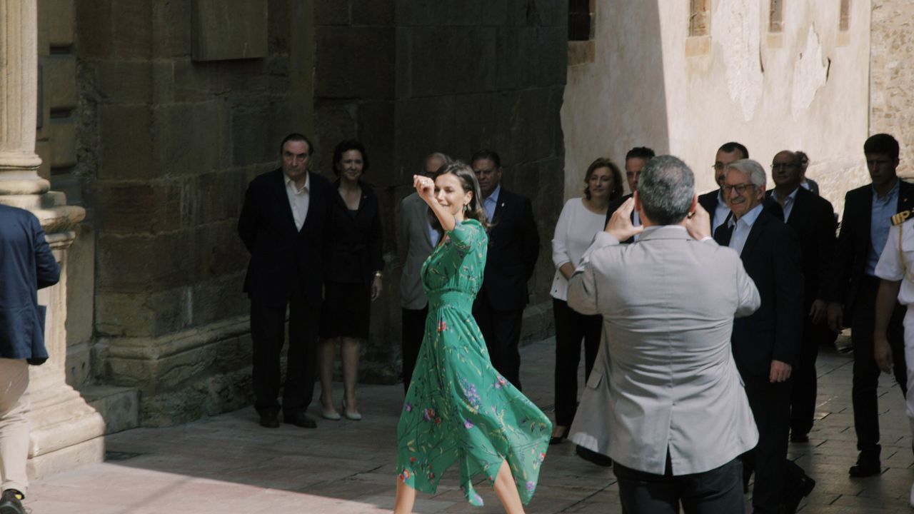 La reina Letizia asiste a la lección magistral del director de orquesta Aarón Zapico en el Museo Arqueológico