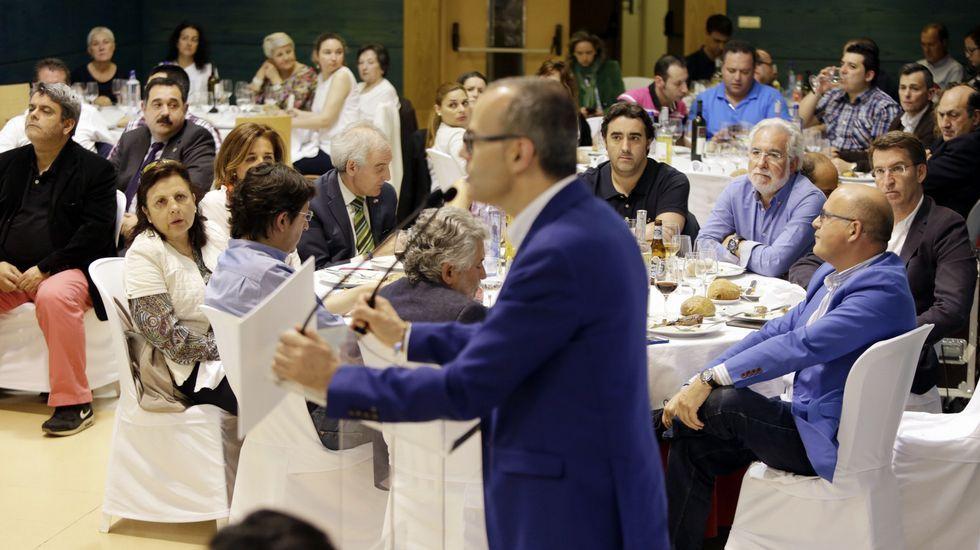 Feijoo y Baltar arroparon al candidato popular de Ourense en una comida mitin en Aixina a la que acudieron unas 200 militantes y simpatizantes