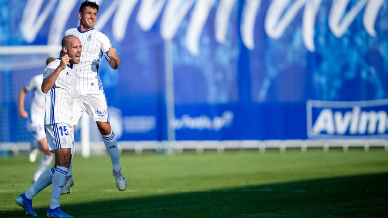 Gol Ortuño Saul Berjon Fuenlabrada Real Oviedo Fernando Torres.Ortuño y Saúl Berjón celebran el gol frente al Fuenlabrada