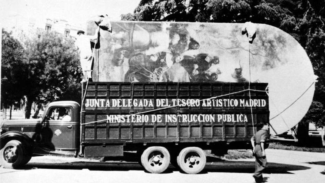 Un traslado de obras de Madrid a Valencia, durante la Guerra Civil. Muchas de esas obras volvieron al Museo del Prado y de ahí, en 1941, algunas fueron entregadas a la Diputación de Asturias. Hoy están en el Museo de Bellas Artes asturiano
