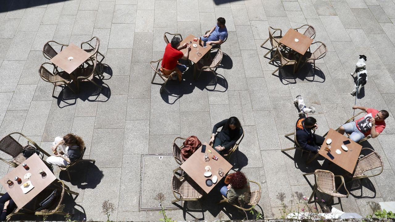 Ambiente en las terrazas de Santiago de Compostela