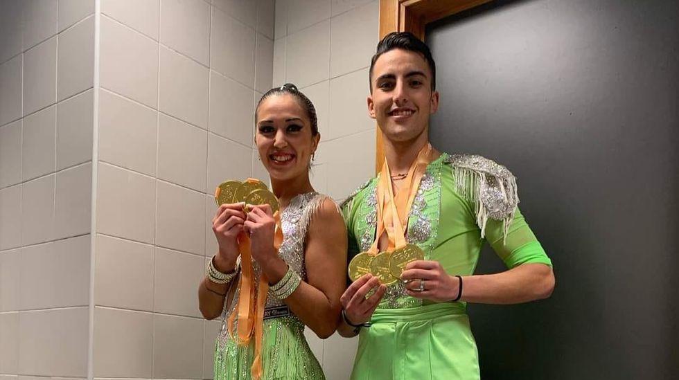 La xalleira Mélani Lois y su pareja habitual, Alberto Martínez, de Muxía, proclamados Campeones de España de Bailes Caribeños en la categoría absoluta en la última competición nacional celebrada en Alicante