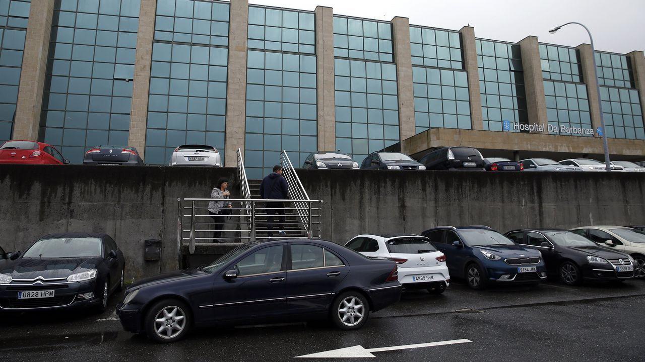 Chequeo en el Hospital del Barbanza.Entrada de Urgencias del Hospital de Santiago