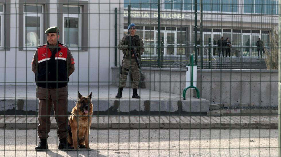 Erdogan gana por un estrecho margen el referendo de reforma constitucional en Turqua