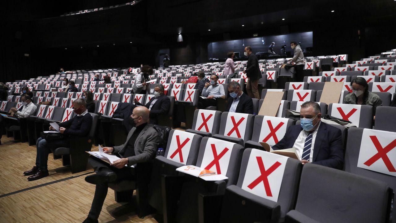 El Concello de Ourense celebró su pleno en el Auditorio Municipal