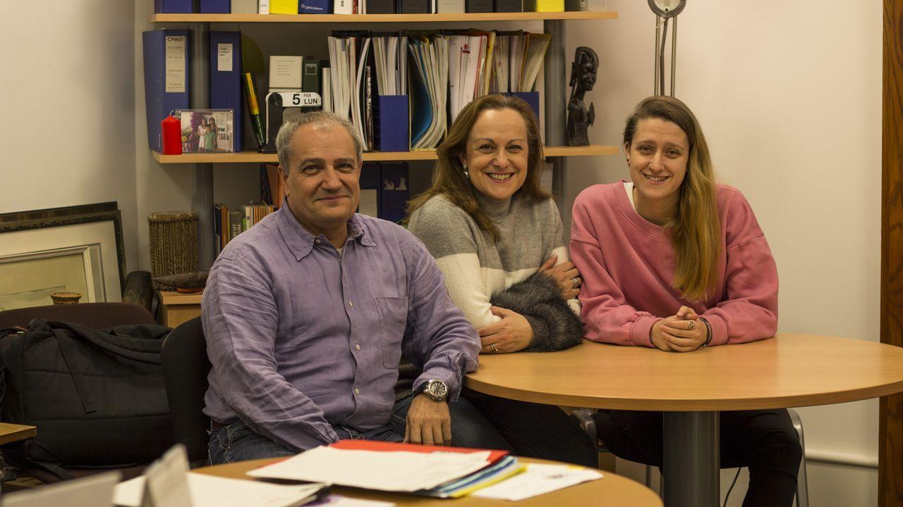 Alfonso (izquierda) dirige el Conservatorio Popular de Ginebra. De Corme, aspira a ser elegido diputado cantonal