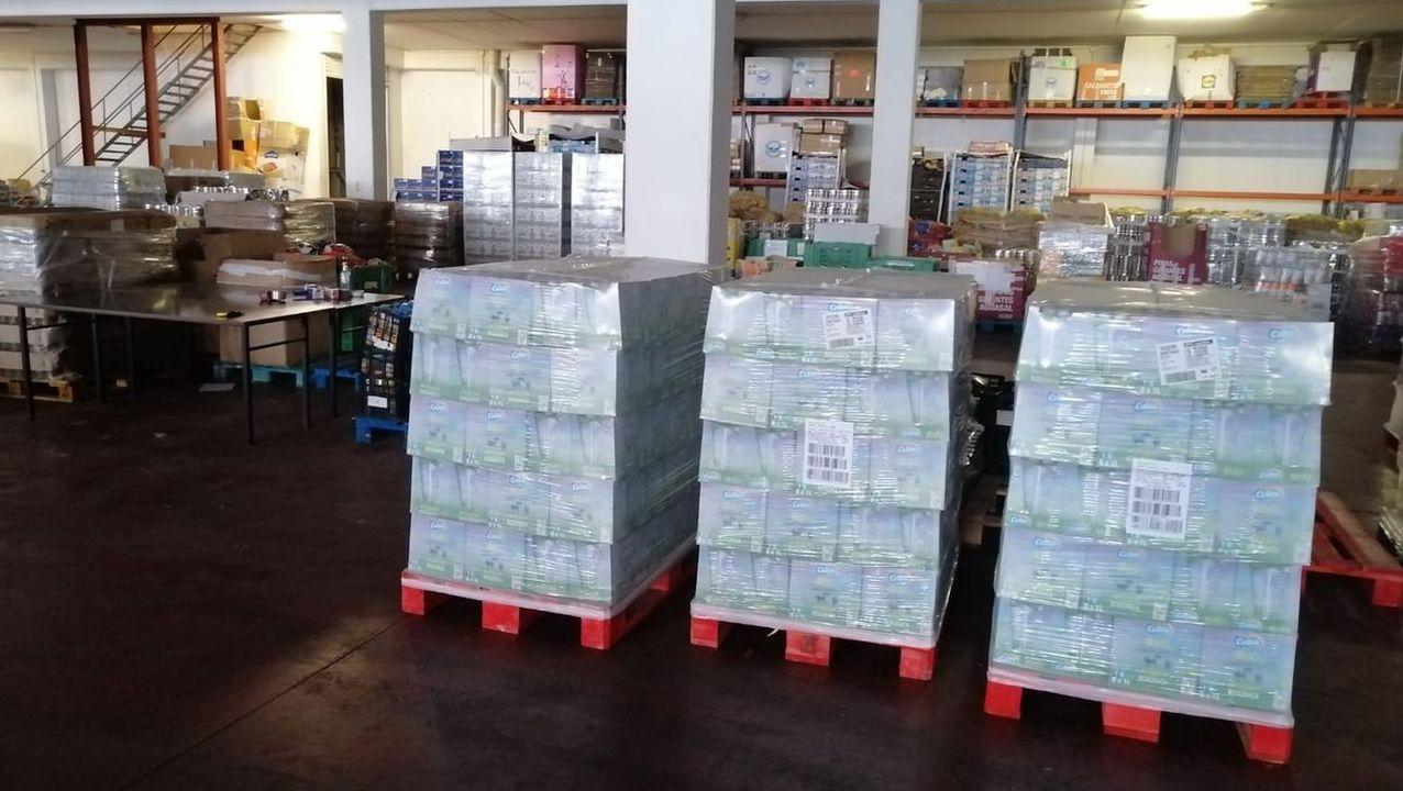 Palés con alimentos donados por el Craega