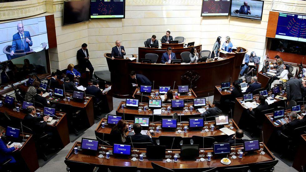 El Senado colombiano vota a favor del acuerdo de paz con las Farc
