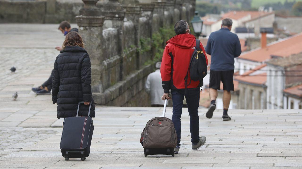 Jornada de protestas de la hostelería gallega.Solo en el casco viejo se estima que hay más de mil VUT