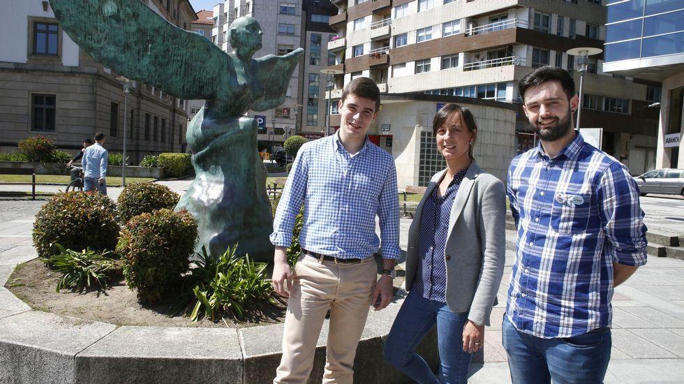 Los candidatos más jóvenes de las elecciones de Pontevedra: Juncal (a la izquierda, del PP), Paloma Castro (PSOE) y Marcos Rodríguez (del BNG)