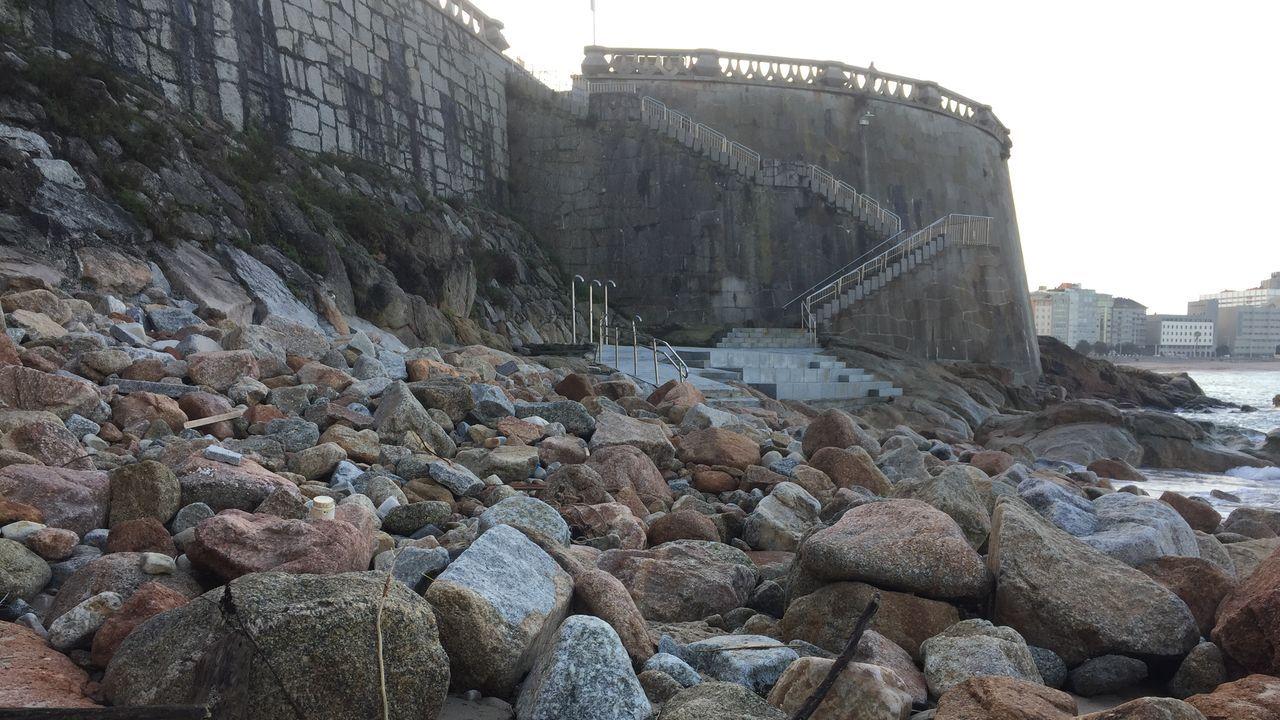 La playa del Matadero se queda sin arena
