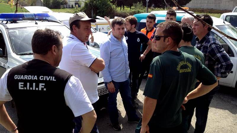El operativo de búsqueda se reune en Pardieiros (Trasmiras) por ser el último lugar donde fue vista la mujer