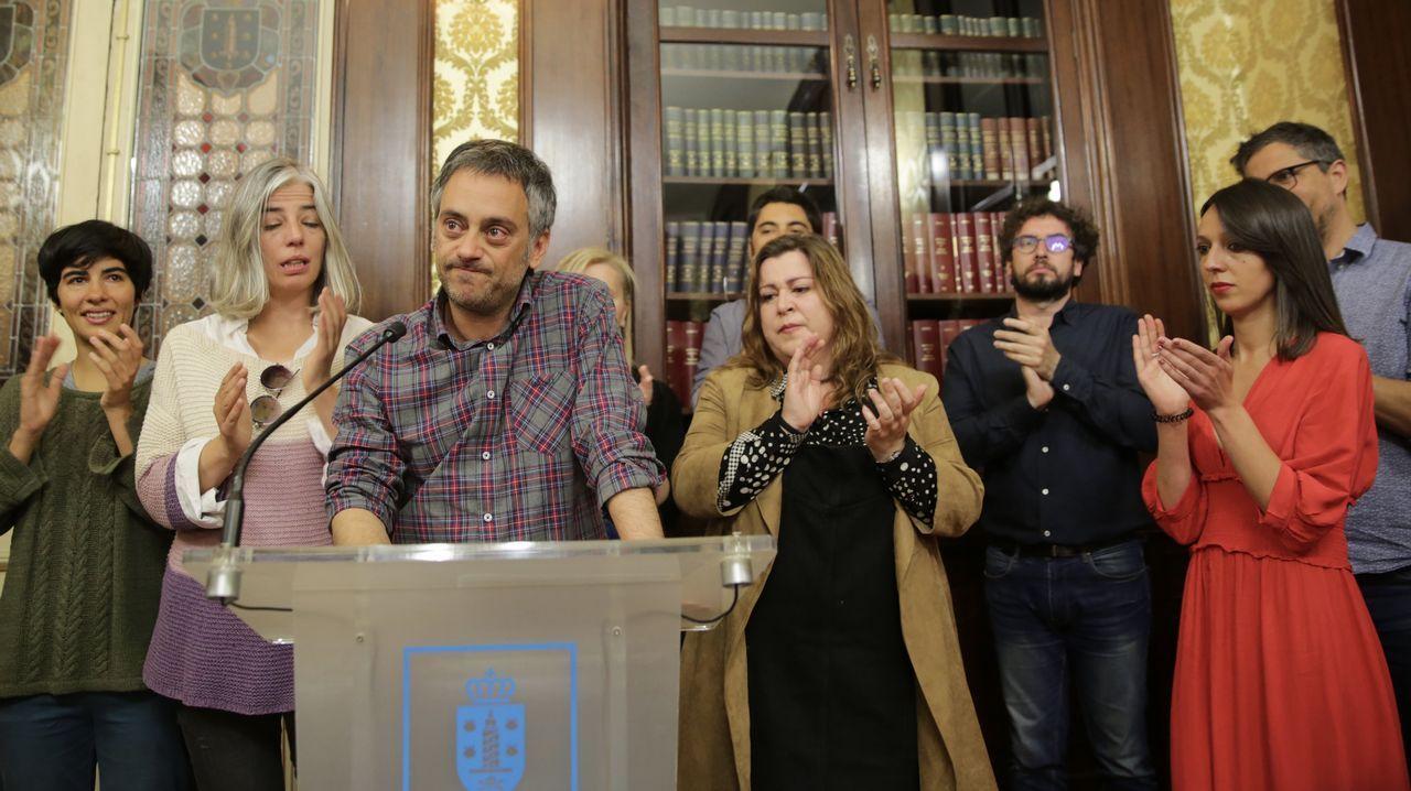 Quién es quién: Las principales dimisiones tras las municipales.Xosé Sánchez Bugallo, paseando por un parque de Santiago. Colgó su último tuit en septiembre del 2012