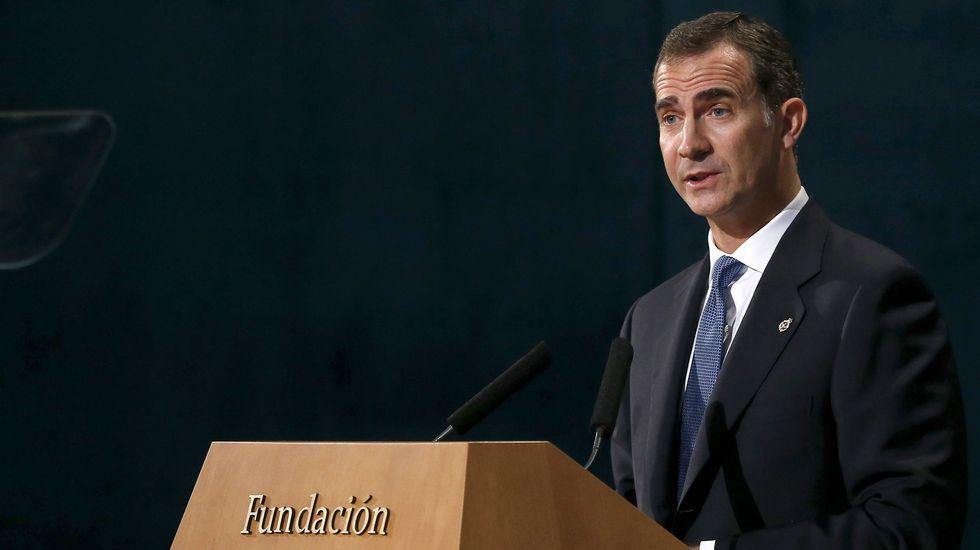 Felipe VI sobre la independencia de Cataluña: «Que nadie construya muros con los sentimientos».Presentación oficial de la princesa Leonor días después de su nacimiento.