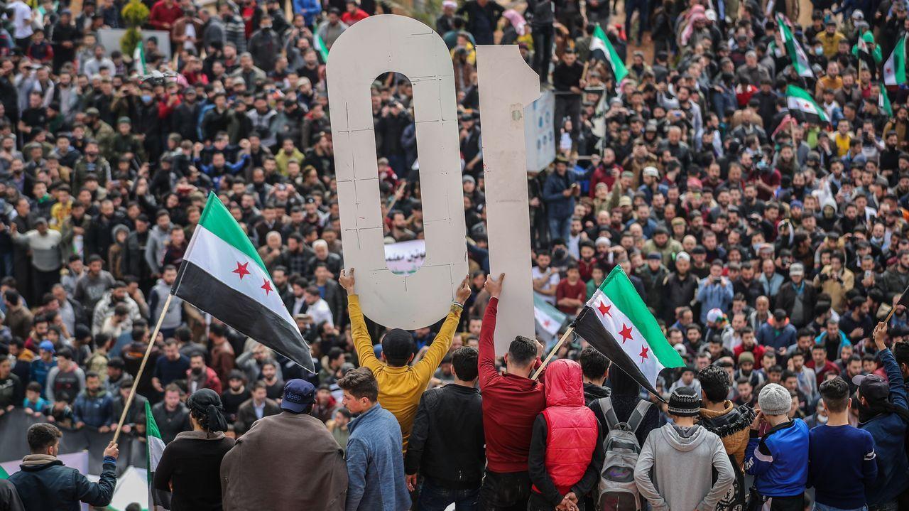Multitudinaria manifestación en Idlib