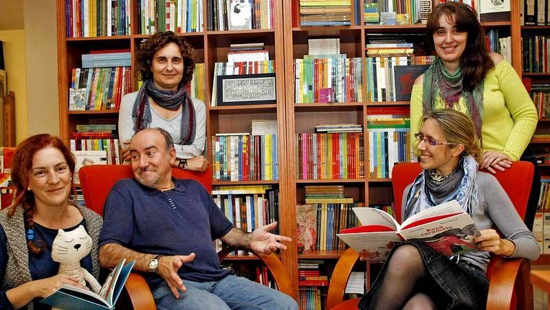 Carlos López «Chinto», X. M. González «Oli» y David Pintor «Pinto», en la Feria del libro de A Coruña.