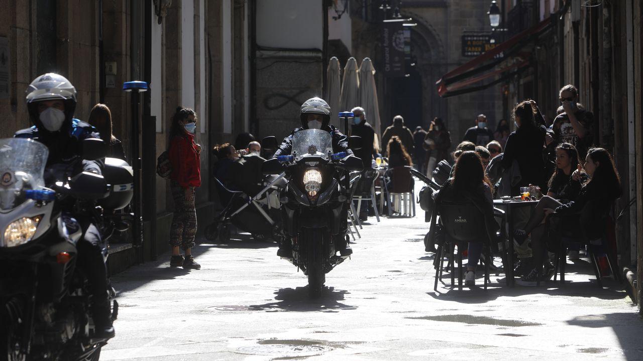 Domingo de terrazas, paseo y buen tiempo en la capital ourensana