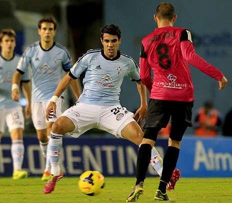 <span lang= es-es >Abrazo entre Luis Enrique y Oubiña</span>. La foto del partido. La celebración del segundo gol entre el capitán y el entrenador, que mediado el segundo tiempo arriesgó prescindiendo del capitán.