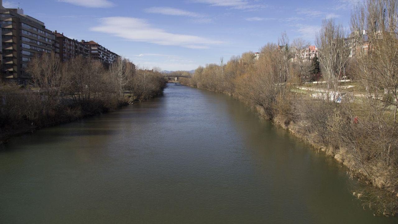 leon.El Bernesga es el río que atraviesa el centro de León. En los 80, las sendas de su rivera fueron acondicionadas como espacios verdes para el disfrute de los vecinos