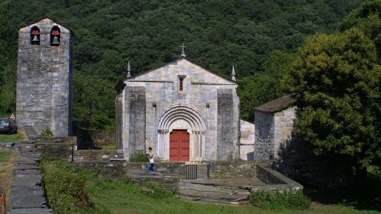 San Pedro de Fiz de Hospital en O Incio, única iglesia de mármol del mundo