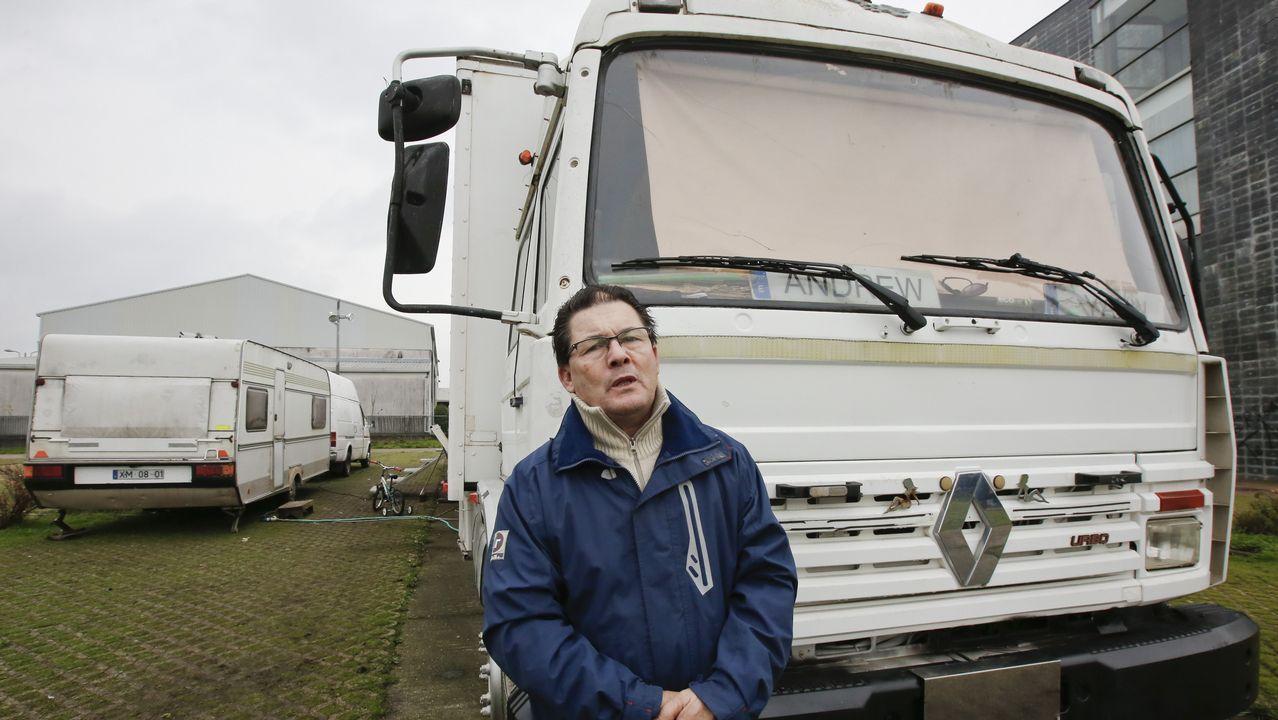 Malestar en Castro de Rei por el asentamiento de una familia italiana en el párking de autocaravanas