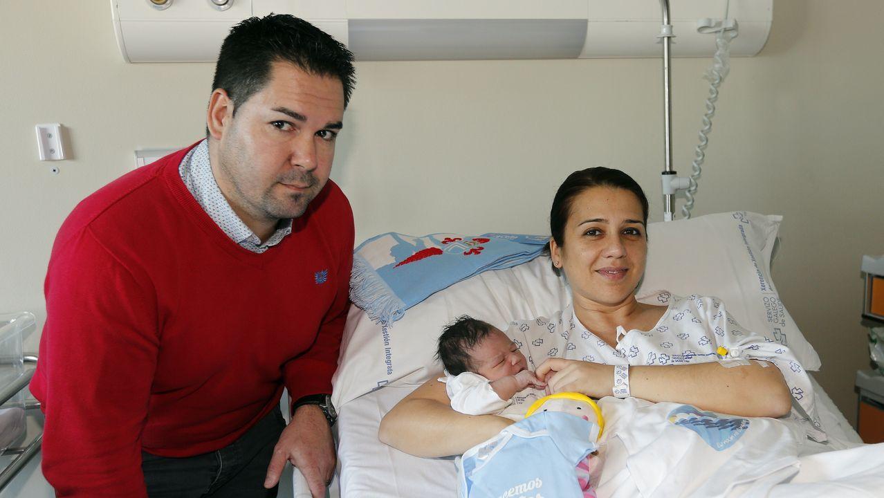 Adiós a la Navidad Top de Vigo.Yisela es el primer bebé del 2020 en Vigo.