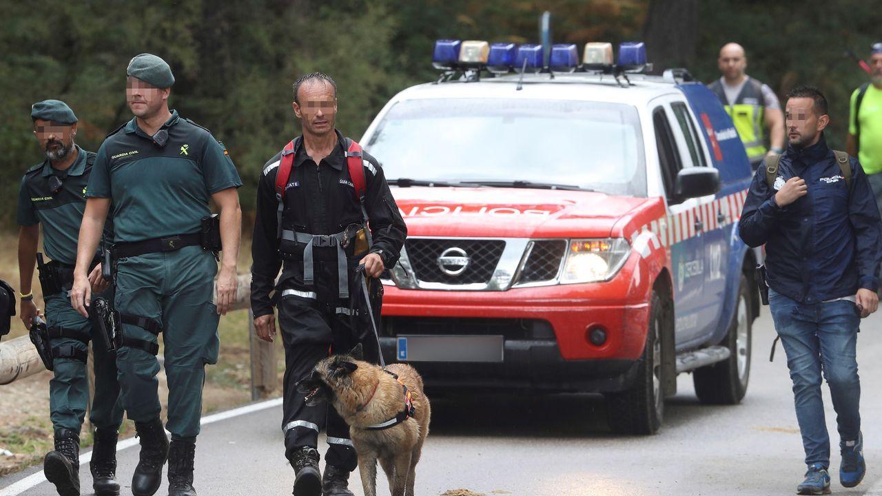 Guardia Civil y voluntarios durante la búsqueda