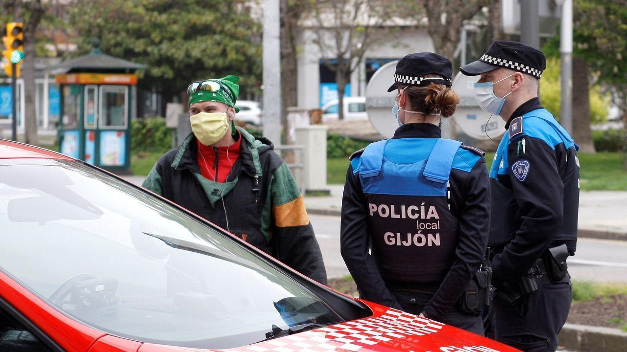paseo muro de san lorenzo gijon.La Policía Local de Gijón controla las calles