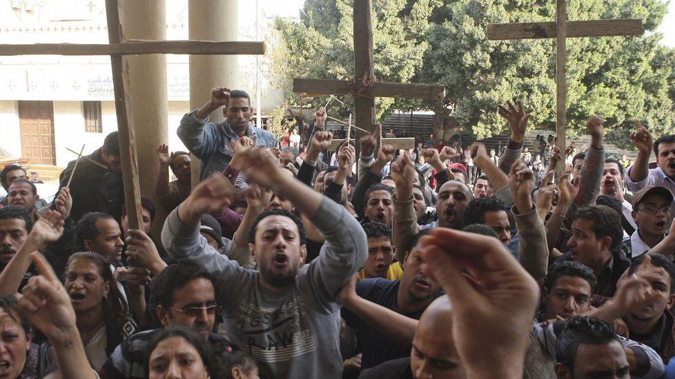 Unos cristianos coptos egipcios en una manifestación en el 2011