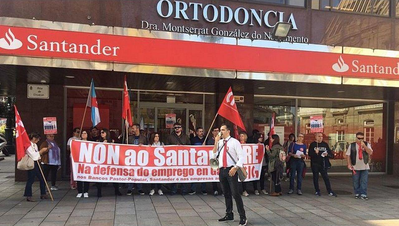 «Se nos chegan a pillar repartindo propaganda comunista, estaríamos mortos».Manifestación de los trabajadores de Vesuvius en Langreo