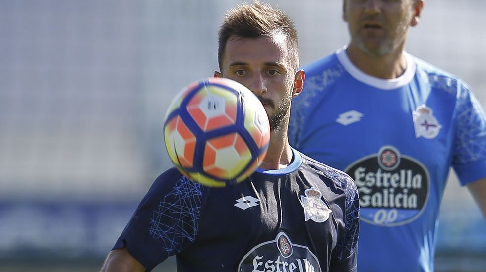 Çolak: «He fichado por un equipo muy fuerte en España».Okazaki en su presentación con el Málaga CF