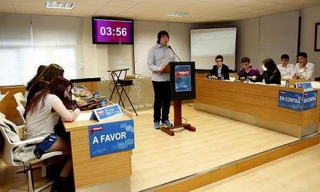 Os mozos do Parga Pondal acadaron o primeiro posto e recibiron 500 euros para material cultural en galego.