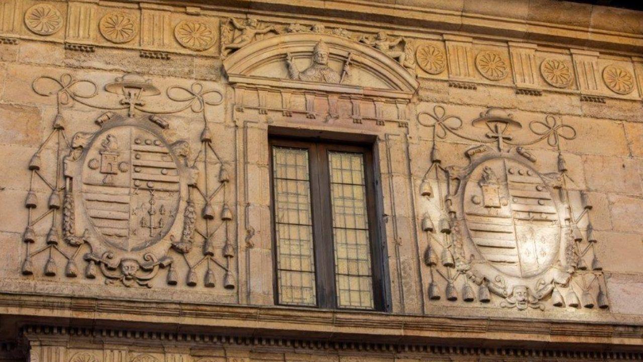 Escudo de la Universidad de Oviedo