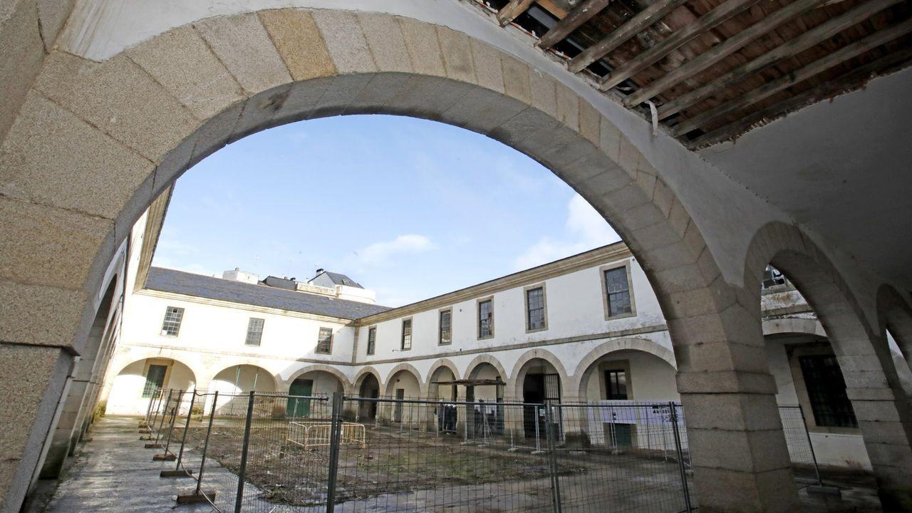 Los cables recorren el corazón de la Muralla.La fachada del Palacio de Diomondi presentaba este aspecto al día siguiente del derrumbe, el 30 de diciembre del 2010