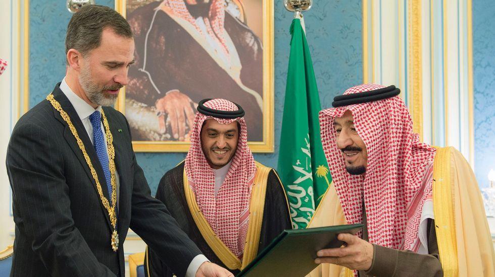 El Rey de Arabia Saudí concede a Felipe VI la máxima condecoración.Javier Vega de Seoane