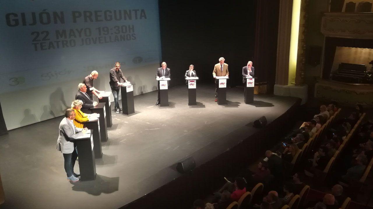 Un momento del debate electoral «Gijón pregunta» en el teatro Jovellanos